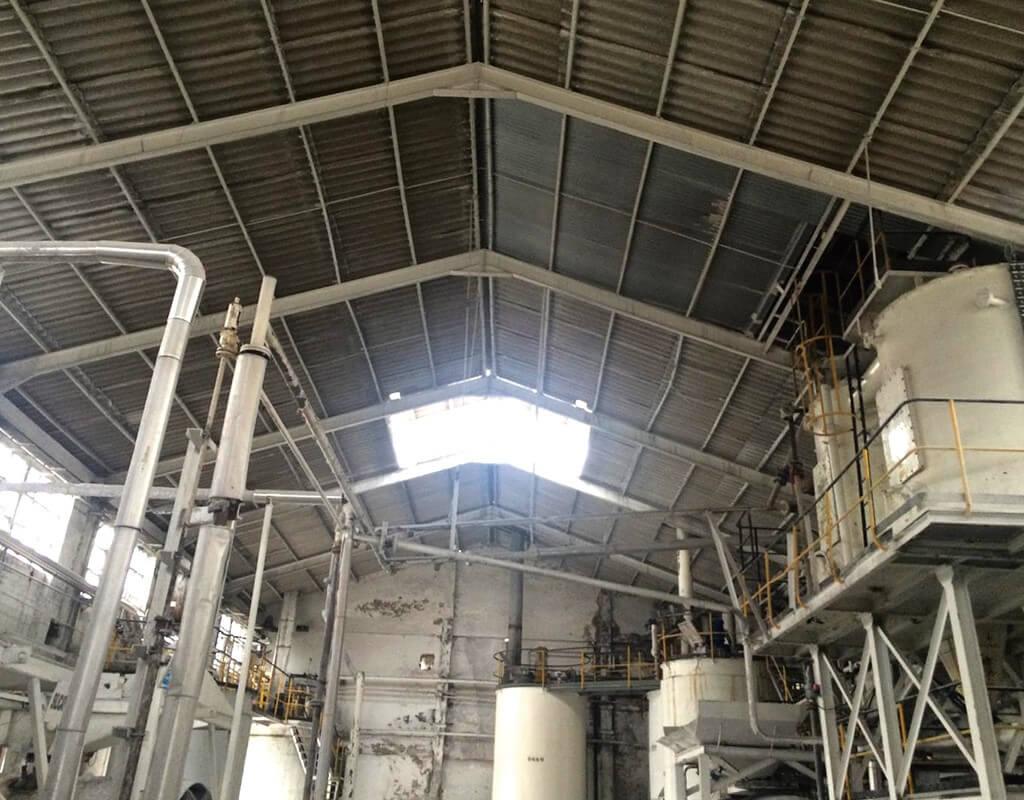 Interior de nave industrial de Simal sin reformar