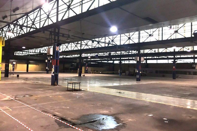 Interior de nave industrial de Subiñas sin reformar